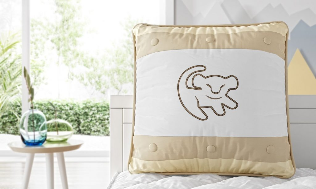 pillow-square-287580